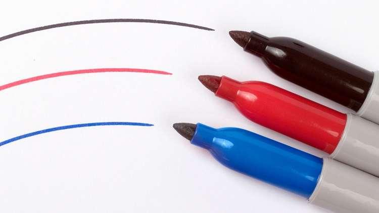 отмыть маркер от пластика